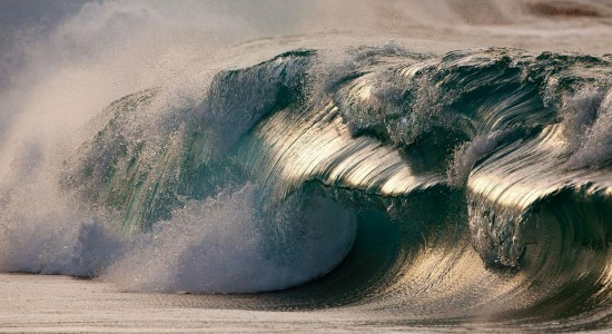 Amazing wave photography by Pierre Carreau